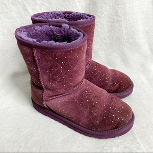 UGG aster classic short constellation maroon boots